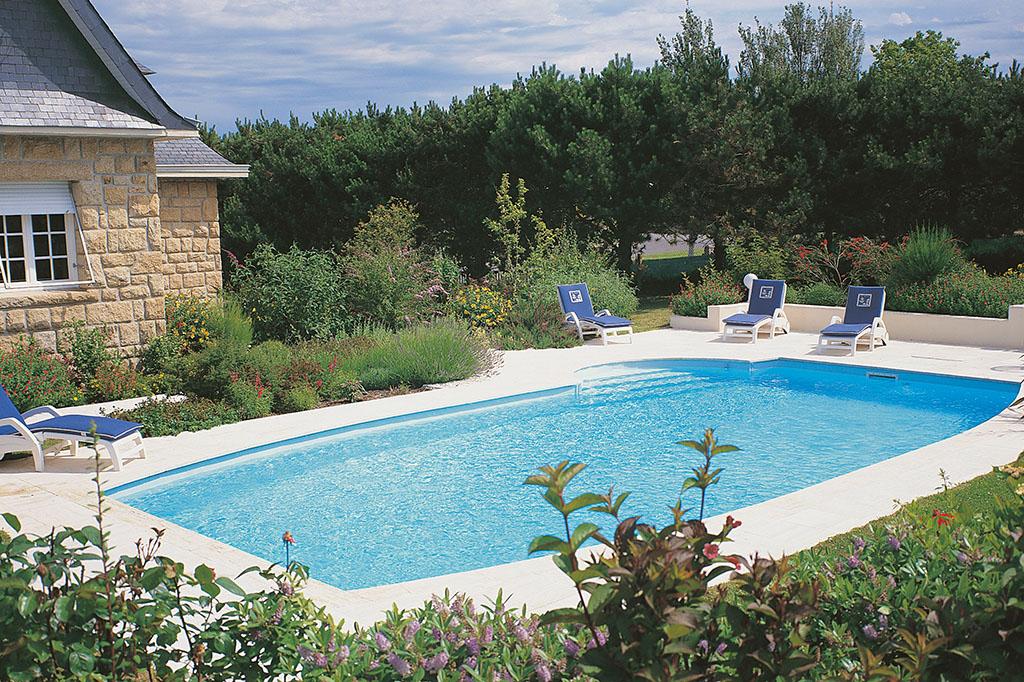 Pool mit leichter Rundung