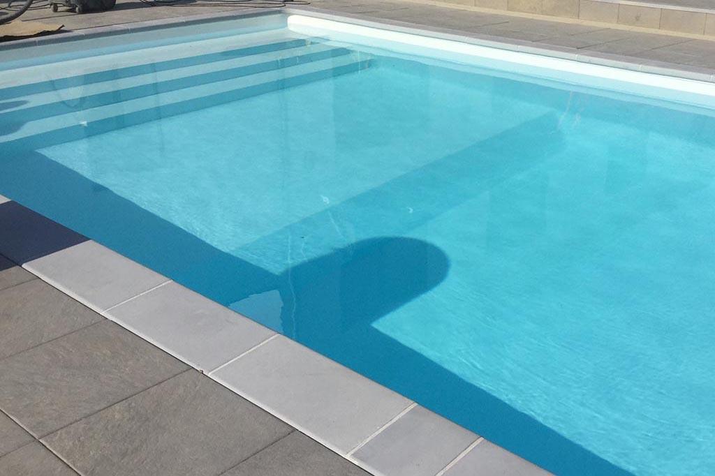 Pool mit unterschiedlicher Tiefe