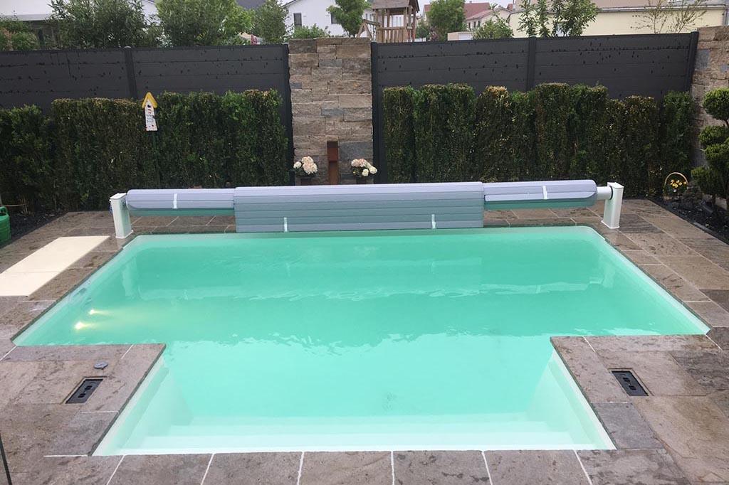 Pool mit individueller Abdeckung