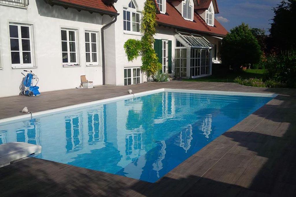 Pool mit Desjoyaux Aufsetzfilter