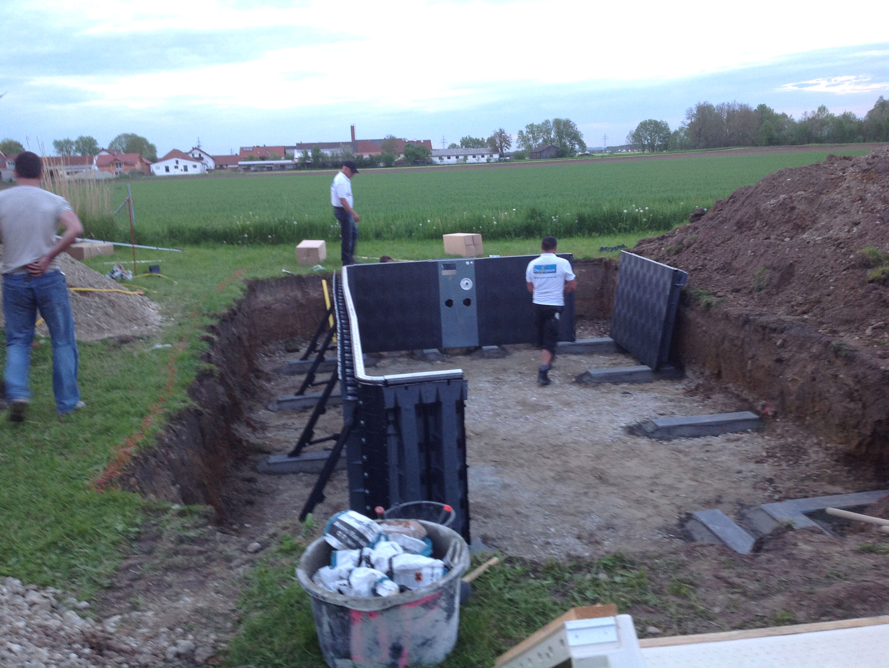 Montage des Pool-Systems