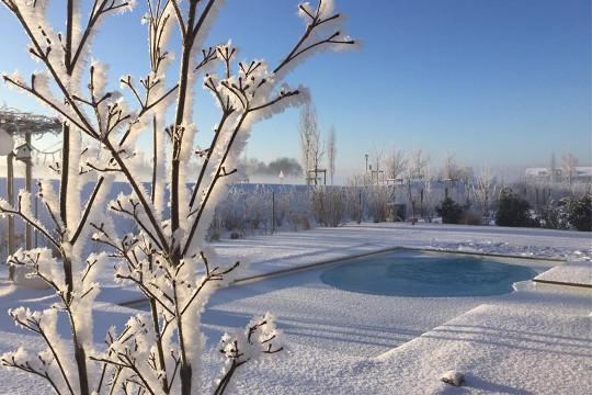Desjoyaux Pool im Winter Highlight