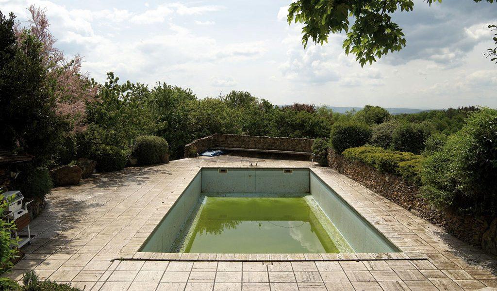 Poolsanierung: Swimmingpool vorher